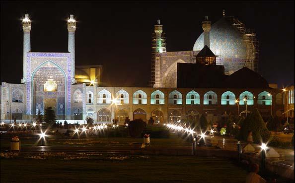 Esfahan-en-noche